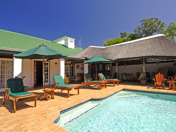 Hlosi Game Lodge - Pool