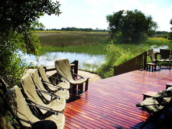 Kanana Lodge - deck overlooking delta