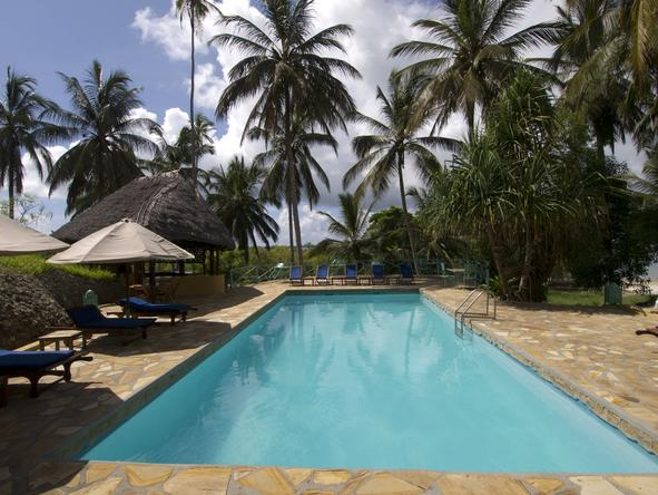 Kinasi Lodge - Pool