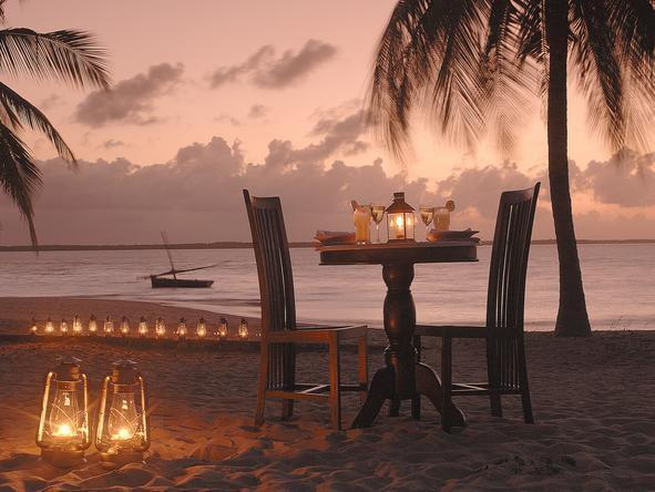 Kizingoni Beach Houses - Romantic Dinner