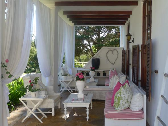 Lairds Lodge Country Estate - veranda 2