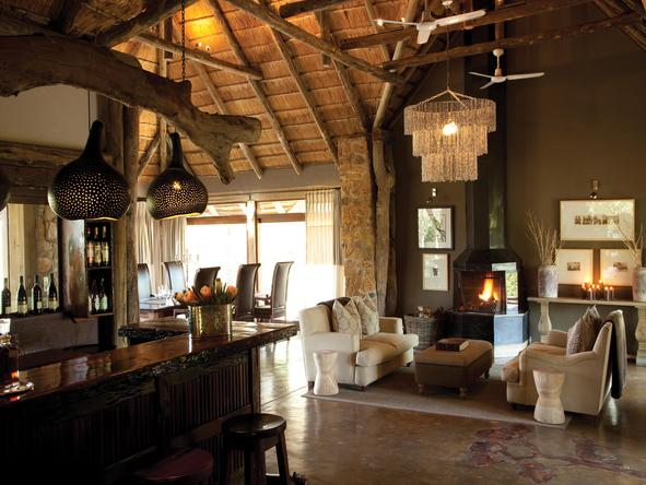 Leopard Hills Private Game Reserve - lounge and bar