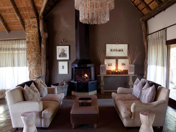 Leopard Hills Private Game Reserve - lounge