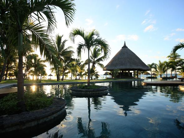 LUX Le Morne - swimming pool and gazebo