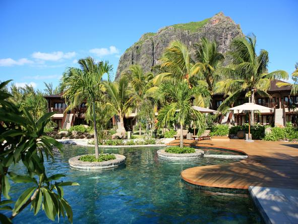 LUX Le Morne - island style living