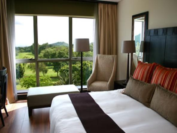Mount Meru Hotel - Bedroom1