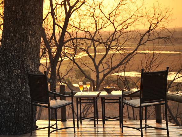 Muchenje Safari Lodge - Deck