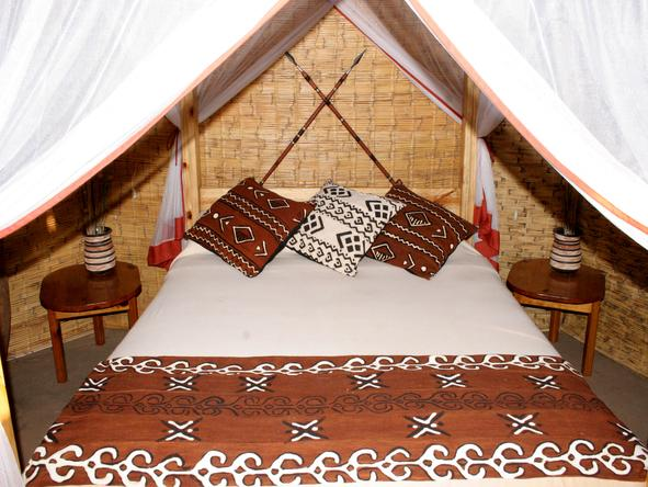 Mwamba Bush Camp - Bedroom