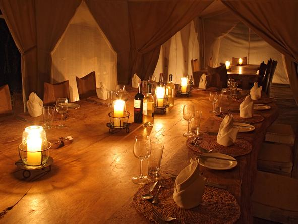Naibor Luxury Camp - Dinner