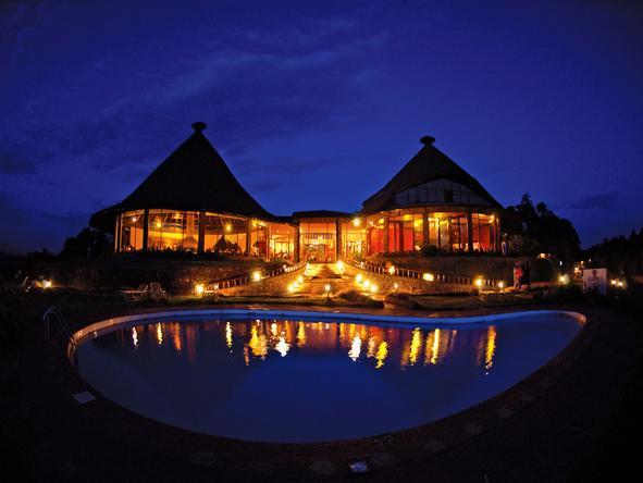 Ngorongoro Sopa Lodge - Logde at night