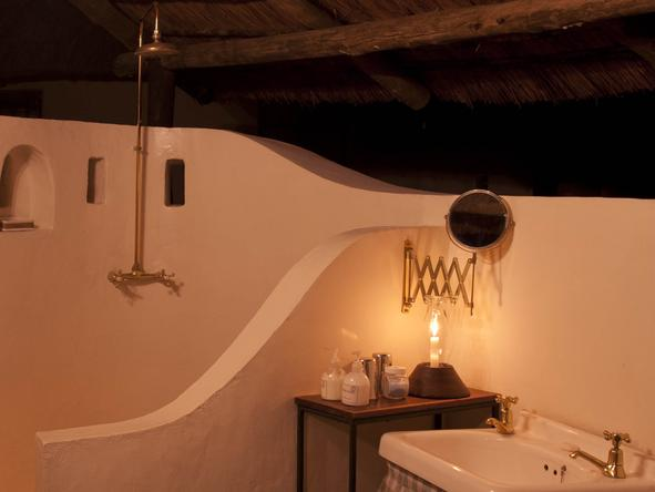 Nsefu - Bathroom