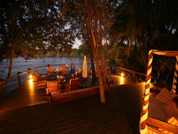 Ntwala Island Lodge - deck