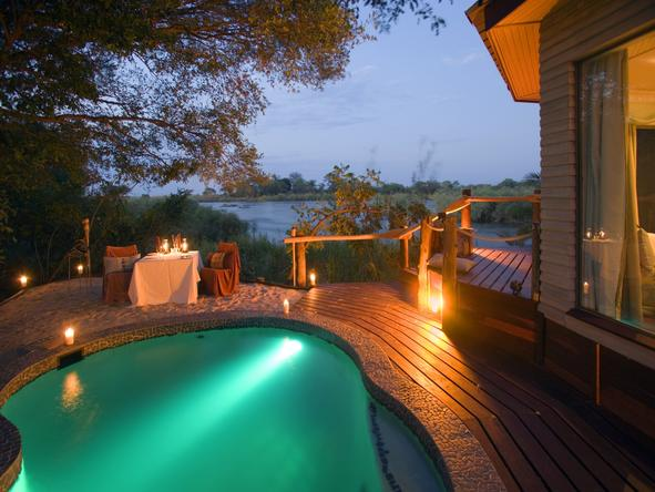 Ntwala Island Lodge - private deck + plunge pool