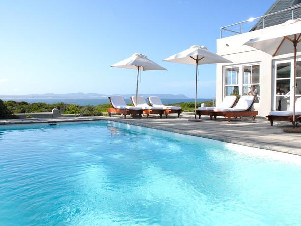 Ocean Eleven Guest House - Pool
