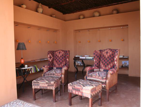 Okahirongo Elephant Lodge - Lounge