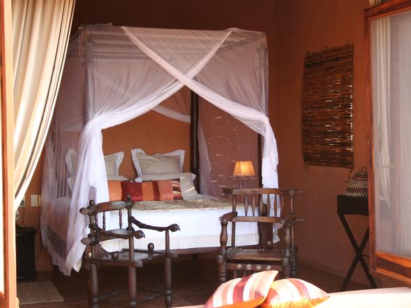 Okahirongo Elephant Lodge - Bedroom1