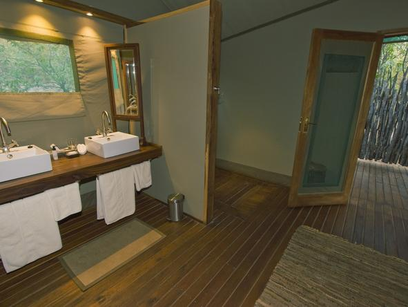 Ongava Tented Camp - bathroom