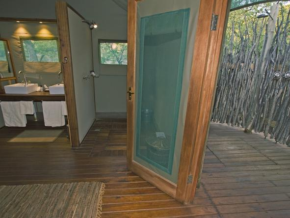 Ongava Tented Camp - bathroom 2