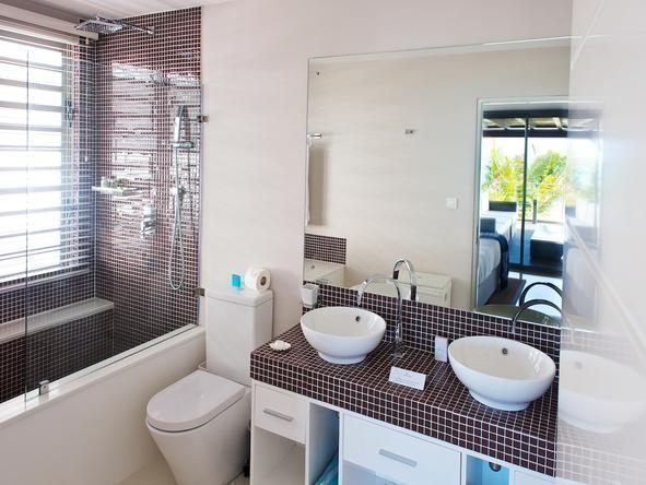 Paradise Beach -  Luxury Apartments - Bathroom