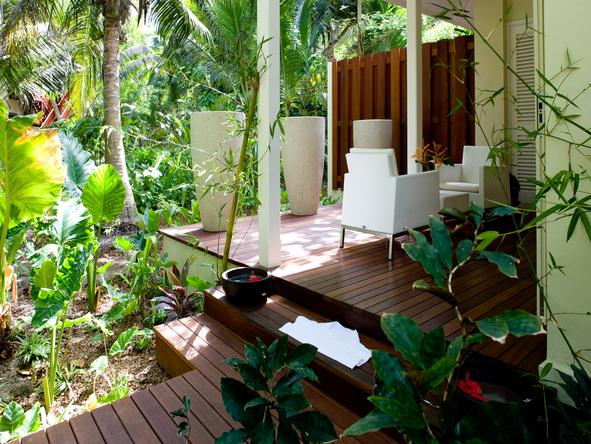 Paradise Sun - outdoor sitting area