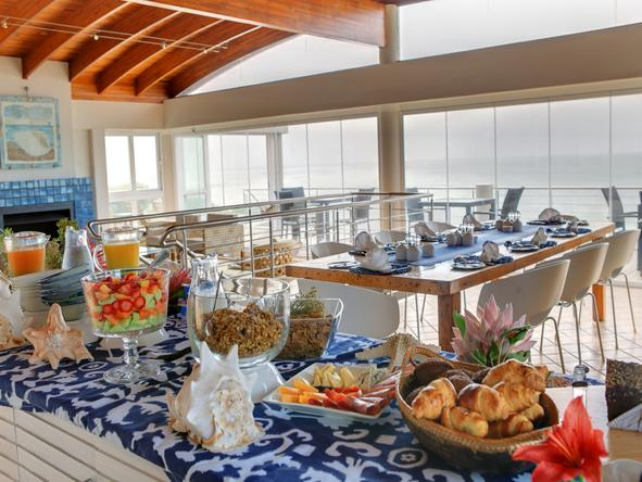 Periwinkle Guest Lodge - Dining