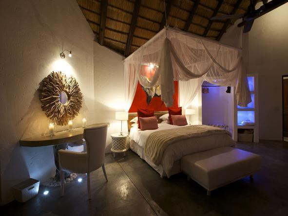 Pondoro Game Lodge - Room1