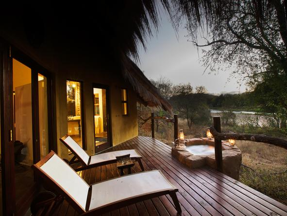 Pondoro Game Lodge - Private Deck