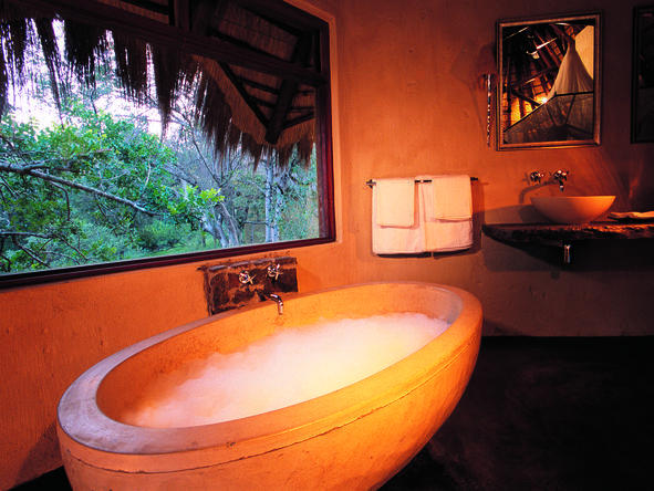 Pondoro Game Lodge - Bathroom1