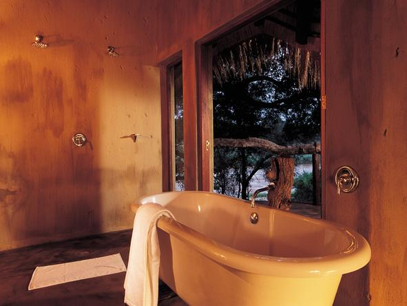 Pondoro Game Lodge - Bathroom2