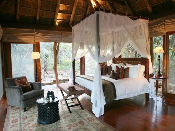 Pumba Msenge Bush Lodge - Bedroom1
