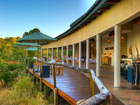 Pumulani Lake Lodge - Deck
