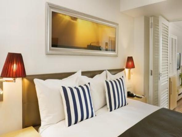 Radisson Blu Hotel Waterfront - Bedroom1