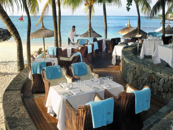 Royal Palm Hotel - beachside dining