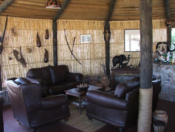 Ruaha River Lodge - Lounge
