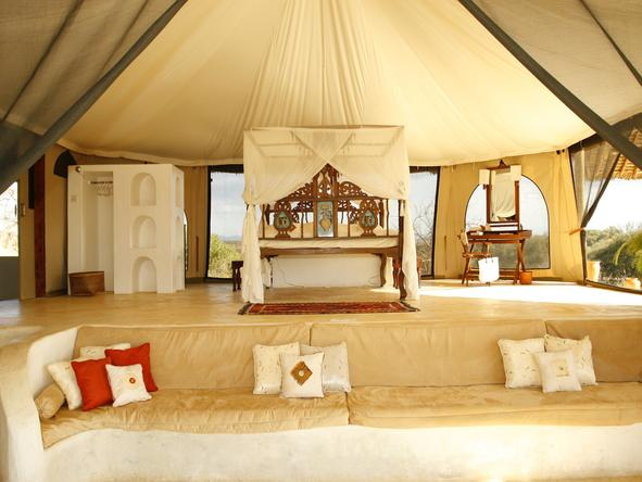 SaSaab Camp - spacious safari tent