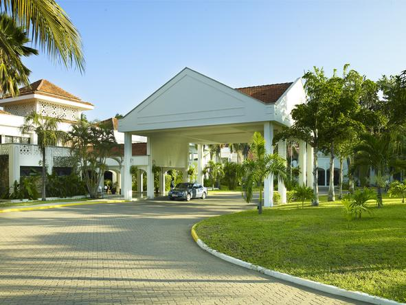 Sarova Whitesands Beach Resort and Spa - Entrance