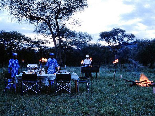 Serengeti Sopa Lodge - Bush Dining