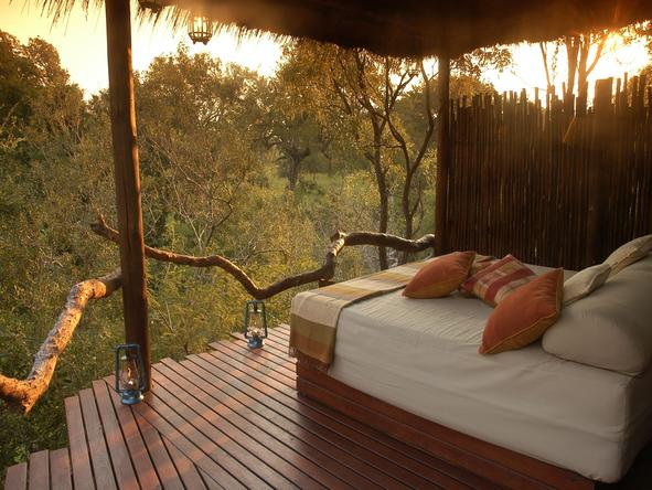 Simbambili Game Lodge - Open Bedroom