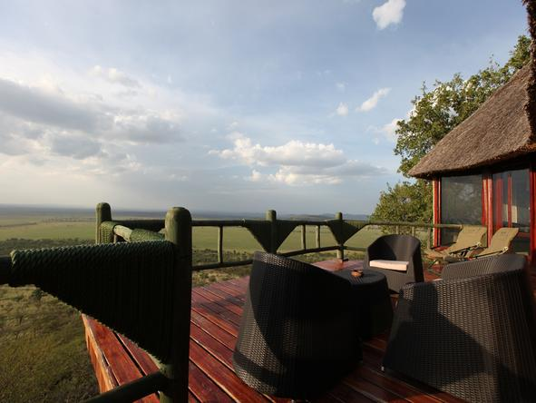Soroi Serengeti Lodge - viewing deck