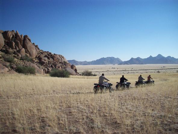 Sossusvlei Lodge - quad bikes 2