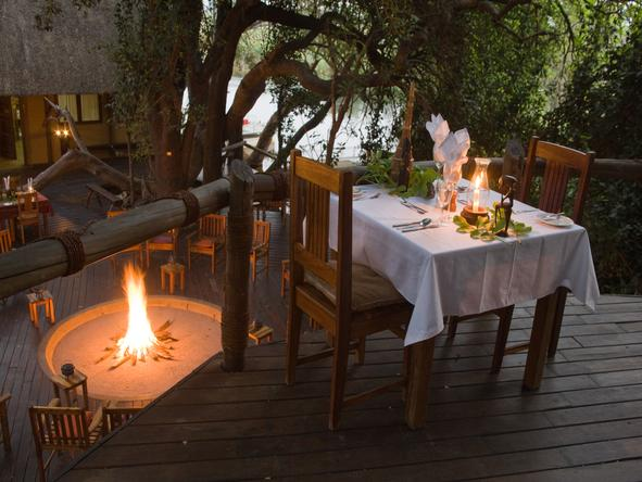 Susuwe Island Lodge - dinner for two
