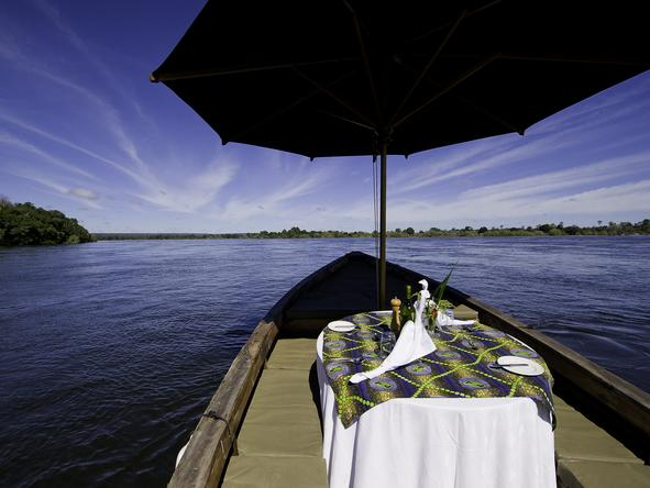Tongabezi Lodge - dining
