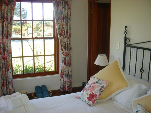 Tarn Country House - Bedroom2