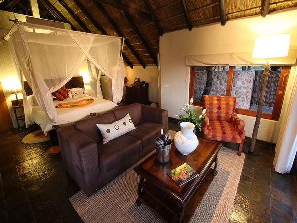 Tau Game Lodge - Bedroom1