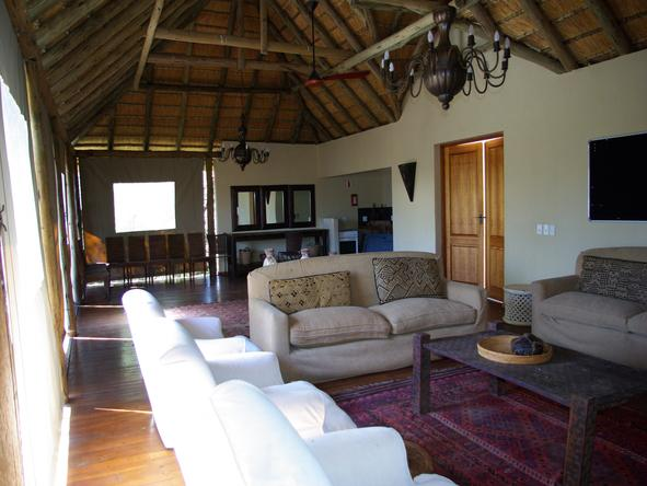 Thakadu River Camp - Lounge1