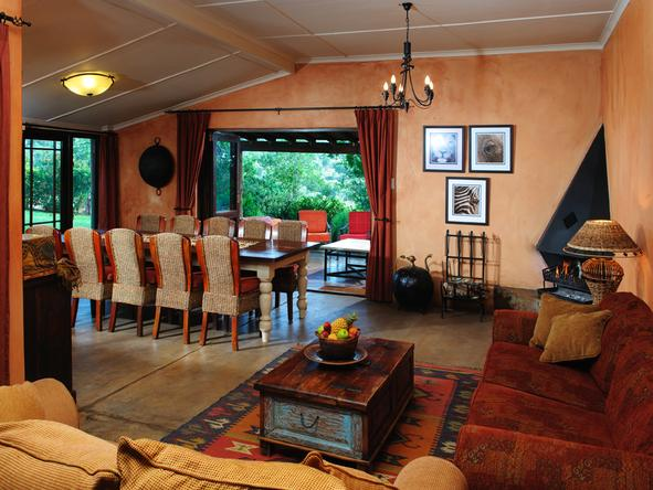 The Homestead at Kariega - Dining/Lounge