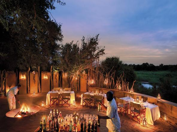 Tinga Legends Lodge - outdoor dining