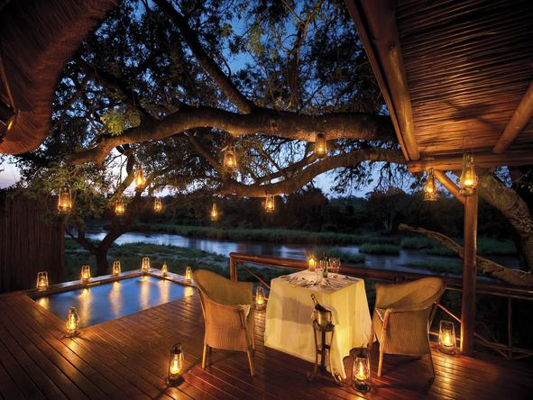 Tinga Narina Lodge - romantic dining