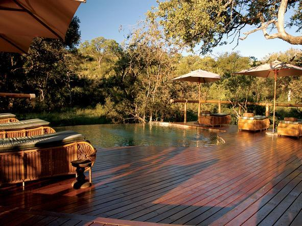 Tuningi Safari Lodge - Deck2